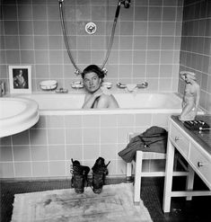 'The Indestructible Lee Miller' Celebrates a Daring Surrealist and War Photographer - The New York Times