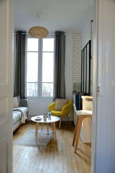 Le salon comme le reste de l'appartement a été agencé pour favoriser la circulation et l'aisance de mouvements