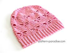 Free crochet pattern for Dragonfly Slouchy hat designed by pattern-paradise.com #crochet #patternparadisecrochet #slouchy #hat #slouch #dragonfly
