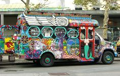 Not everyone fits on your bus. Hippie Auto, Hippie Car, Hippie Style, Cool Car Paint Jobs, Minibus, School Bus House, Converted Bus, Short Bus, Pinewood Derby Cars