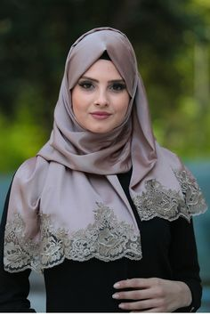 Neva Style - Dantelli İpek Görünümlü Şal Ürün Kodu : 1523 Beautiful Muslim Women, Beautiful Hijab, Hijabs, Hijab Moda, Hijab Styles For Party, Wiccan Clothing, Instant Hijab, Islamic Fashion, Muslim Fashion