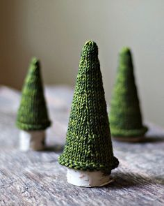 Pattern here: http://www.ravelry.com/patterns/library/jack-pine-tree