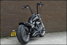 HD Street Bob con Hanger... $10000