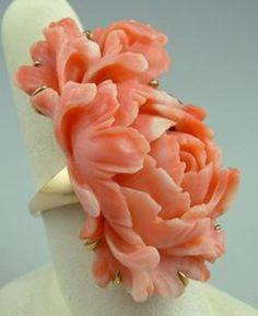 Vintage Real Carved Rose Coral 18K Gold Ring #GoldCoralRing  #CoralRing #RoseRing   #CocktailRing #VintageCoralRing