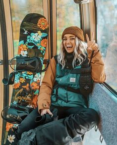 Millions of hikers head to local and foreign trails every year without completing a hiking training program. Mode Au Ski, Snowboarding Style, Snowboarding Women, Ski Bunnies, Snowboard Girl, Snow Outfit, Winter Fun, Winter Coming, Swagg
