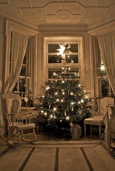 Swedish Christmas Room! #destinationstory #coachbarn