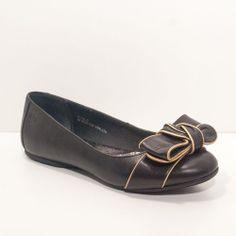 Born Black Leather Bow Gold Trim Ballet Flats Slip-On Shoes Womens Size 6M