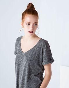 "<span style=""color:#F9284A;"">Camisetas</span>"