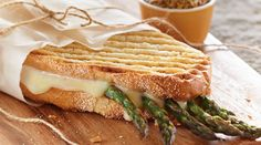 This Tre Stelle Provolone Panini with Asparagus is a luscious union of flavours! A LoveAffairWithCheese Panini Sandwiches, Good Food, Yummy Food, Provolone Cheese, Slice Of Bread, Saveur, Asparagus, Grilling, Roast