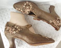 7629c3878f0 Gold Bronze 1920's Lame' Fabric Shoes Size 5 Embroidery Overlay . Flapper  Fashion . Bullion Thread . Vintage Dance Shoes .