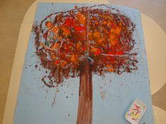 """Painel - trabalho sobre o livro """"Presos"""", Oliver Jeffers"""