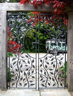 small metal garden gate Ornamental Garden Gates andRailings Sculptural Gates by graciela Wrought Iron Garden Gates, Garden Gates And Fencing, Wrought Iron Decor, Metal Gates, Garden Doors, Fence Gate, Fences, Wrought Iron Gate Designs, Unique Garden