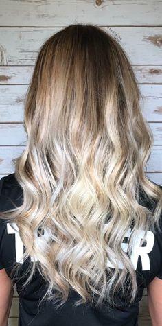 Cool platinum blonde hair ombré balayage