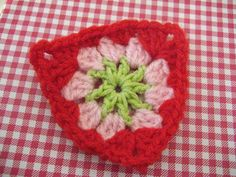 Crochet Bunting Triangle by RubyRed06, via Flickr