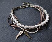 """Bracelet macramé torsadé breloque charm""""les ailes d'ange"""" en chanvre naturel"""