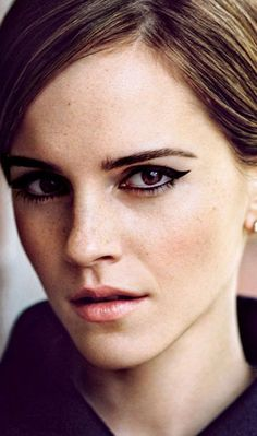 I'll say I'm pinning this for the eyeliner but it's mostly because Emma is eye-sexin' me something fierce!