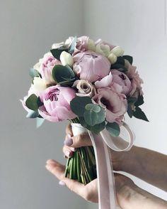 24 Unique Wedding Bouquet Ideas from Flowerna.ru Unique wedding bouquet ideas from flowerna. Spring Wedding Bouquets, Peony Bouquet Wedding, Hand Bouquet, Wedding Flower Arrangements, Bride Bouquets, Floral Bouquets, Wedding Flowers, Wedding Day, Purple Flower Bouquet