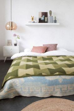 Dream Bedroom, Home Bedroom, Bedroom Decor, Bedroom Sets, Interior Inspiration, Room Inspiration, Interior Ideas, Estilo Interior, Vintage Apartment