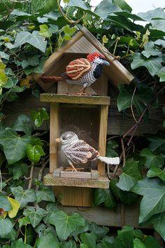 House Sparrow amigurumi crochet pattern by MieksCreaties