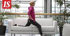 Kotisohvalla voi tehdä tehokkaan treenin lempiohjelmaa katsoessa. Health Fitness, Lounge, Chair, Furniture, Home Decor, Airport Lounge, Drawing Rooms, Decoration Home, Room Decor