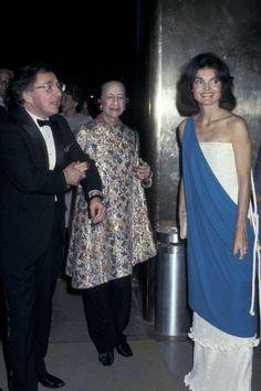 October 12, 1977 - Jackie O