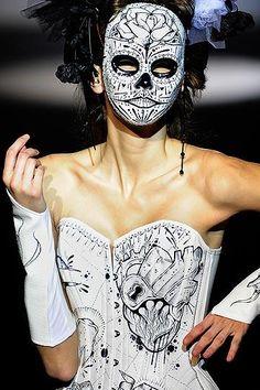 "AW2011 ""Framed"" #corsetry #080barcelonafashion http://www.bibianblue.com"
