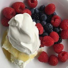 Breakfast time!!! Enjoy some fresh berries with Greek yogurt and honey. #berries…