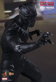 Six pieces of interchangeable gloved hands including - One pair of fists. - One pair of clenching hands. - One pair of clenching hands with claws. Black Panther Images, Black Panther King, Black Panther Marvel, Dc Comics Superheroes, Marvel Dc Comics, Black Pantha, Black Panther Costume, Hawkgirl, Hero Movie