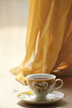 Raindrops And Roses, Autumn Tea, Yellow Cottage, Honey Colour, My Cup Of Tea, Milk And Honey, Shades Of Yellow, Mellow Yellow, Bright Yellow