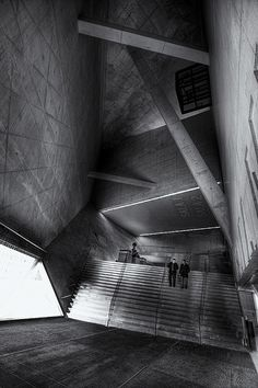 Casa da Música by Rem Koolhaas. Oma Architecture, Classical Architecture, Contemporary Architecture, Architecture Details, Concrete Architecture, Rem Koolhaas, Deconstructivism, Interior Design Sketches, Concrete Structure