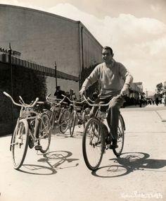 1942 Raymond Massey rides a bike. Hollywood Stars, Classic Hollywood, Raymond Massey, Antique Bicycles, Bike Rider, Vintage Photographs, Mountain Biking, Famous People, Cycling