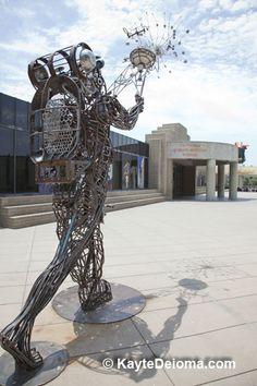 California African American Museum: California African American Museum