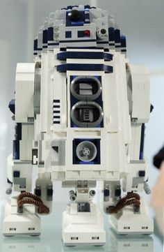 LEGO Ultimate Collector R2-D2
