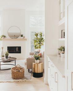 Scandinavian Fireplace, Scandinavian Interior Living Room, Scandi Living Room, Casual Living Rooms, Living Room With Fireplace, Living Room Interior, Living Room Decor, Scandinavian Design, Bedroom Fireplace