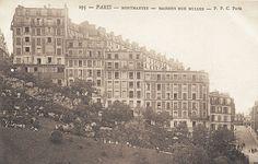 Paris, une vue latérale de la pente impressionnante des escaliers de la rue Muller, vers 1900.