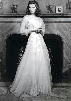 Katharine Hepburn~....Uploaded By www.1stand2ndtimearound.etsy.com
