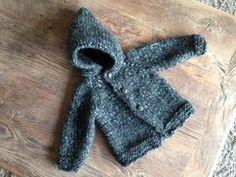 gebreid vestje, baby 12 maanden  breien, babykleding, homemade geboortecadeautje  patroon van Katia