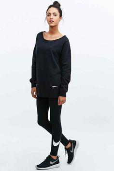 40611715a2479 Nike - Sweat Club Boyfriend noir - 40 € Tenue De Sport Femme, Tenue  Décontractée