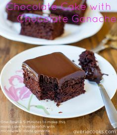 "Every chocolate fanatic would said 'OMG!"" if try these 'Triple Threat' Ganache-Filled Chocolate Cupcakes. These are buttermilk, dark chocolate cupcakes filled Chocolate Ganache Cake, Best Chocolate Cake, Homemade Chocolate, Chocolate Desserts, Ganache Frosting, Ganache Recipe, Chocolate Coffee, Raspberry Chocolate, Pastries"