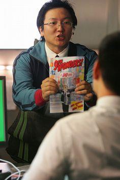 "Heroes - Season 1 ""Save The Cheerleader, Save the World.""  Hiro Nakamura with Isaac Mendez's comic book series 9th Wonders"