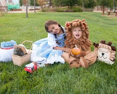 Low-cost Halloween Costumes For Children Personalised Brother and Sister Halloween Trick or Deal with Baggage - For Dorothy and Lion costumes. Brother Sister Costumes, Brother Sister Halloween, Brother Halloween Costumes, Family Costumes, Baby Costumes, Lion Costumes, Holidays Halloween, Halloween Kids, Halloween Season