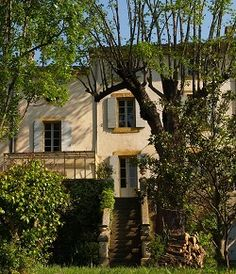 Private Mansion with garden in the centre of the famous village of Lourmarin