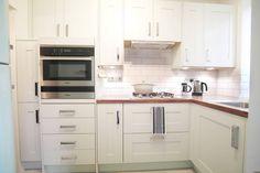 St John's Wood : Cucina in stile classico di Patience Designs