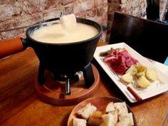 Theme Restaurant Copycat Recipes: The Melting Pot Wisconsin Cheese Fondue The Melting Pot, Melting Pot Recipes, Fondue Recipes, Copycat Recipes, Cooking Recipes, Fondue Ideas, Kabob Recipes, Dip Recipes, Cheese Recipes