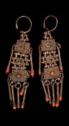 Armenia - Yerevan | Pair of earrings; silver and coral.  // ©Quai Branly Museum. 71.1946.83.179 D