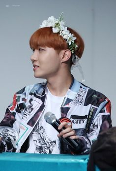 J-Hope ❤ BTS at the Incheon Fansign #BTS #방탄소년단
