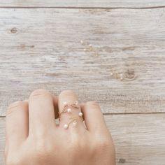 《再販》スワロフスキー 小枝リング Wire Jewelry Rings, Weird Jewelry, Jewelery, Diy Schmuck, Schmuck Design, Diy Rings, Pearl Set, Beaded Jewelry Patterns, Grace Kelly