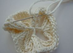 Mack and Mabel: Knitted Flower Tutorial