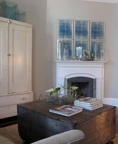 Love this space... If it had something different over the mantle, it would be just right for DRF... just sayin'...