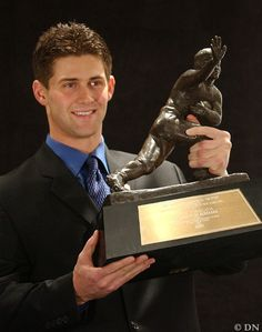 Image Detail for - Eric Crouch with the 2001 Heisman Trophy